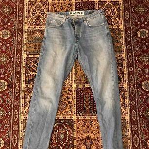 Helt oanvända karve jeans från carlings. säljer för de tyvärr är för små! Frakten tillkommer😁