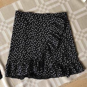 Helt ny superfin kjol köpt här på plick