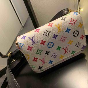 Säljer min fina Louis Vuitton kopia!! Skitcool väska men kommer inte till användning längre tyvärr.