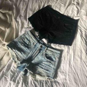 2-pack high waist jeans shorts från American Eagle. Knappt använda i väldigt fint skick i storlek S. Styckpris: 90kr
