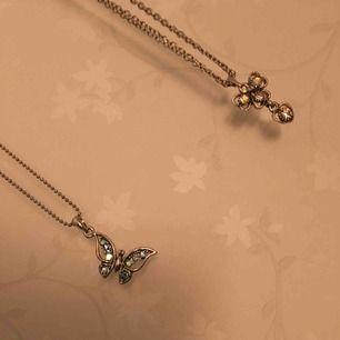 2 fina korta halsband ,  50 kr /styck.  Frakt tillkommer😘