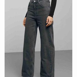 Säljer mina favvo jeans, modellen heter Ace High Wide Jeans, älskar modellen och passformen är dröm!! Köpta för 500 kr och endast använda vid få tillfällen. Inga slitningar mm.