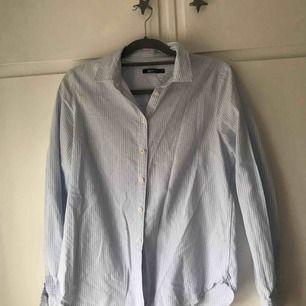 En fin randig skjorta från ginatricot!