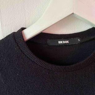 Tight fin klänning från bikbok, frakt tillkommer:)