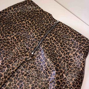 Leopard kjol från h&m i fint skick 😍🐆