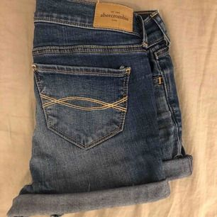 Abercrombie & fitch shorts i barnstorlek 16 motsvarar ungefär xs
