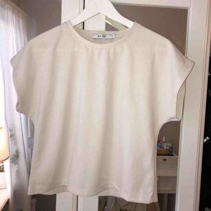 Jättefin tröja från Nakd