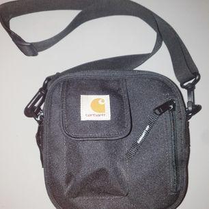 Oanvänd väska från Carhartt, aldrig använd så i nytt skick!