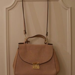 Ljusrosa handväska från Zara
