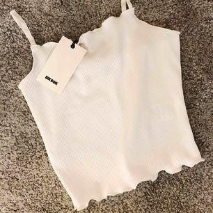 Nytt linne från BIKBOK  aldrig använt!   Går att mötas i Stockholm annars tillkommer frakt