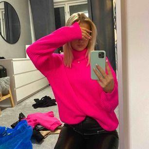 Neon stickad tröja ifrån ivyrevel, aldrig använd lappen kvar 💞💞 (frakt 50kr)