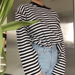 Oversize-tröja!! 🦋frakt tillkommer🦋