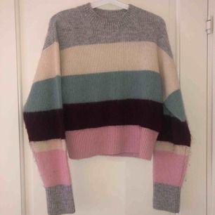 Superfin tröja i ull från hm   Använd ett fåtal gånger   Nypris:599kr
