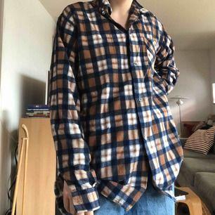 Rutig fin skjorta