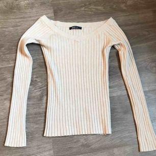 Finfin tröja från Gina! Päler pga att jag ej använder längre!