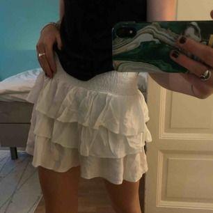 Volang kjol från hm
