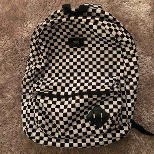 Populär rutig väska från Vans