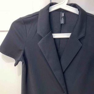 Klänning/blazer dress från zara, helt oanvänd ❤️ Frakt - 40 kr