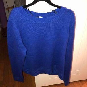 Mörkklarblå stickad tröja från hm