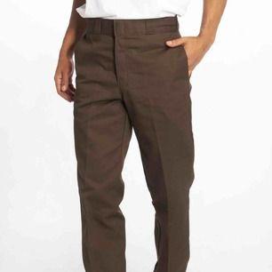 Dickies byxor i storlek 28/30, älskar dom men tyvärr tycker jag de är lite för små för min smak och hoppas någon annan kan få användning för dom! 🥰