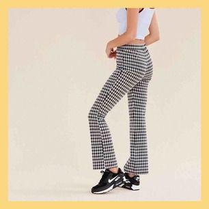 Superfina rutiga tights/byxor från urbanoutfitters, något noppiga ❤️