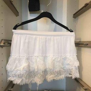 Söt kjol med spets Kan mötas upp i gbg tar bara swish  Skriv om frågor