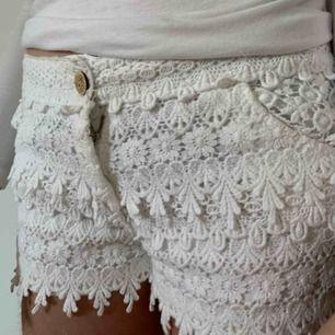 Fina shorts från Chelsea i stl M men skulle säga att de är små i storleken. Köparen står för frakten men kan mötas upp i Helsingborg.