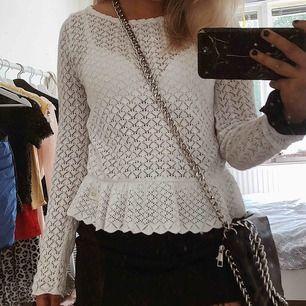 Säljer min stickade odd Molly tröja!! Jättebra skick👍🏻 kostade från början cirka 1000kr