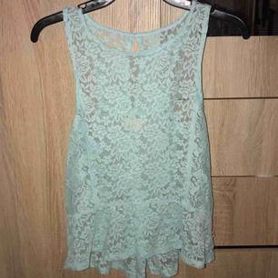 Ny tröja från hollister, prislapp finns kvar dvs oanvänd (rensat garderob därav billiga priser, vill bli av me allt, obs frakt tillkommer)