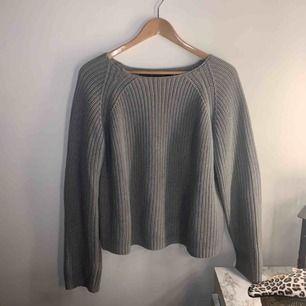 En mysig stickad tröja ifrån Lager 157, den är supermysig och bjuder på frakten på denna tröja 💓