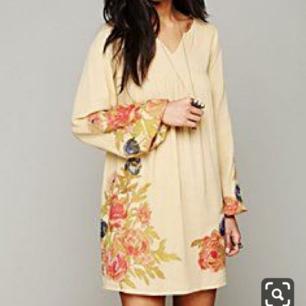 Superfin klänning från Mesdemadmuaselle. Ord pris 1495:- Nu 500:-. Aldrig använd.