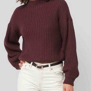 Helt nya fin tröja,köpt i vintras men inte använd! Passar Xs-S Pris kan diskuters Frakt tillkommer på ungefär 70 kr