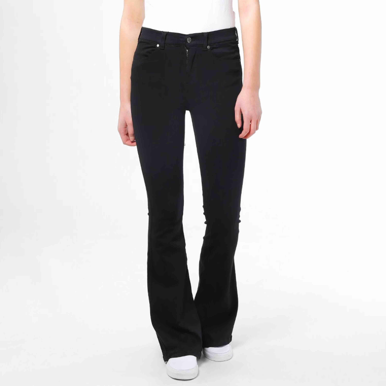 Jeans från Dr.Denim i modellen Macy. Helt oanvända och endast testade! 👊🏼👊🏼💕 Därför är dom i toppskick, skriv privat för fler bilder eller frågor.⚡️. Jeans & Byxor.