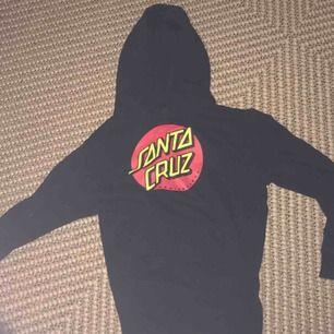Santa Cruz hoodie storlek s