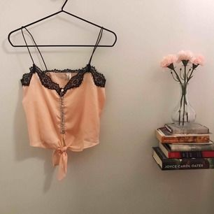 Silkeslinne, aldrig använt, korall/rosa/pastell färg<3