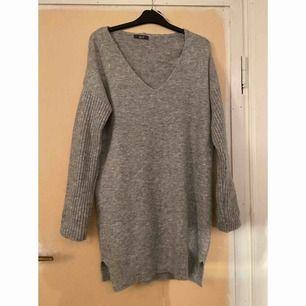 Stickad klänning från Chiquelle!! ✨  Storlek - ONE SIZE  -köparen står för frakt