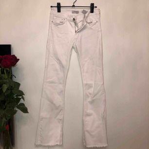 Vita jeans från Zara