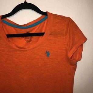Orange T-shirt, fin till sommaren!