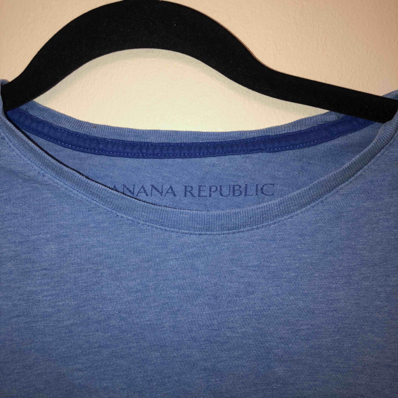 Banana republic T-shirt, i fint skick. Tröjor & Koftor.