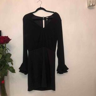 Fin svart klänning från Nelly