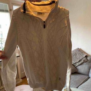 Tjock tröja från dobber Strl M, ej använd! Köpt för 599