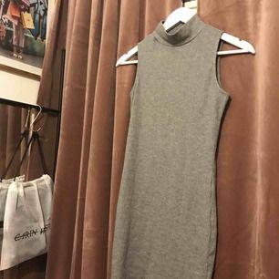 Tight klänning i stretchigt material! Både skön och supersnygg👌🏻