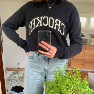 Sweatshirt från crocker i stl s, köparen står för frakt