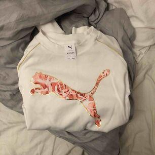 Sweatshirt, lite kortare modell. Från Kenzas kollektion.  Nytt skick.  70kr + frakt (44kr)♻️