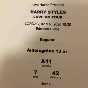 Harry Styles biljetter! Säljer 2 stycken biljetter till konserten i globen i Stockholm den 2a maj 2020. 1400kr för båda (700kr styck), vilket är 170kr billigare än originalpriset :). Riktigt bra platser, långt fram då scenen kommer att vara avlång.