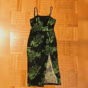 Supersnygg klänning i storlek S. Använd en gång✨