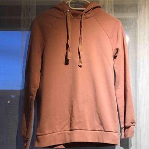 Rosa hoodie från ginatricot använd en gång.🐷💕🩰