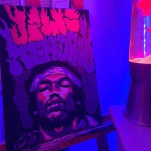 handmålad jimi hendrix tavla i akryl. Tavlan är 30x40 cm med 19mm djup. skriv gärna vid intresse :)   Kan mötas i Stockholms området annars står köpare för frakt👍🏼