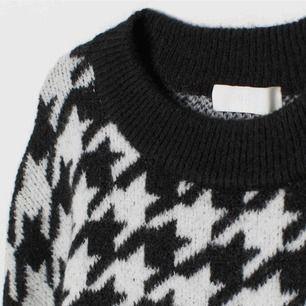 Söker efter denna stickade tröja från H&M. Söker efter storlek XS. skriv !!
