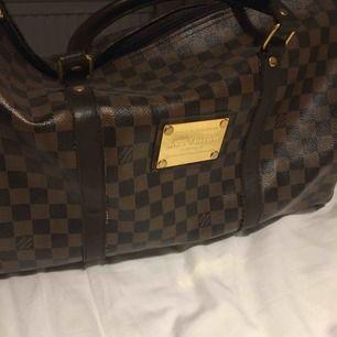 FAKE Louis Vuitton bag Endast använd några gånger